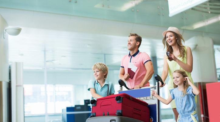 How To Keep Your Kids Entertained At The Airport