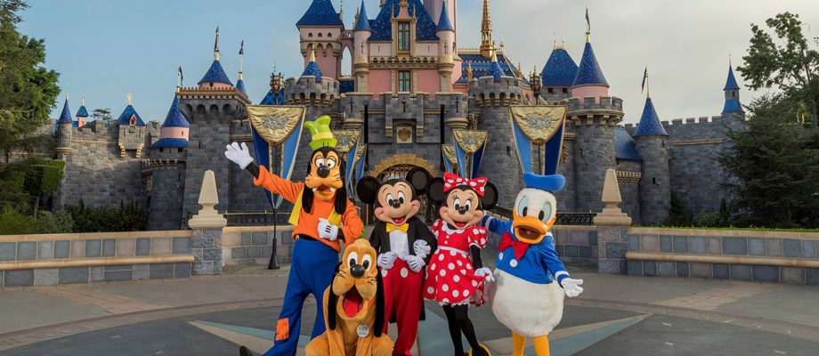 How to: Visiting Disneyland After COVID-19