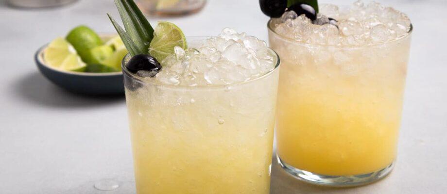 Pineapple juice mocktails